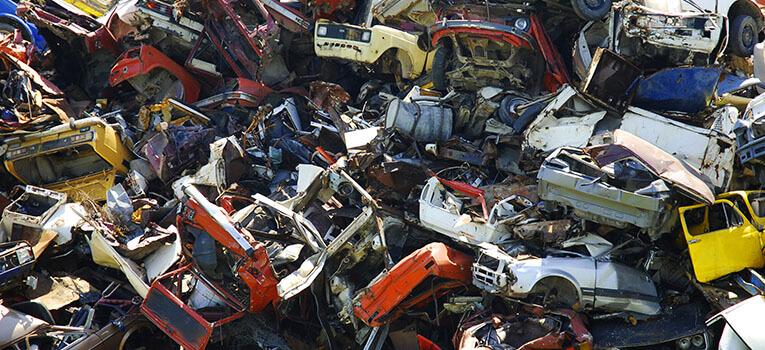 Junkyards-Near-Me-Who-Buy-Cars.jpg