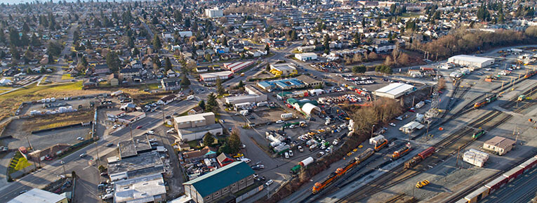 Where can I find salvage yards in Everett?